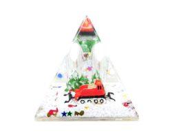 pyramide-boule-neige-dameuse