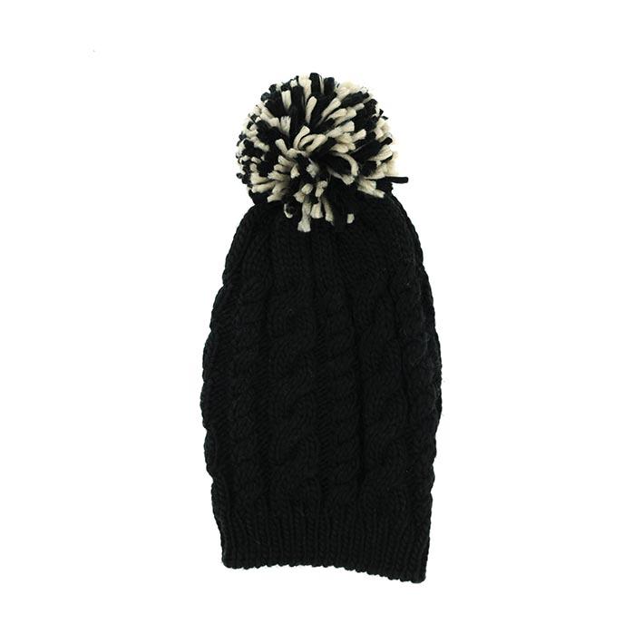 bonnet pompon noir la savoie en direct. Black Bedroom Furniture Sets. Home Design Ideas